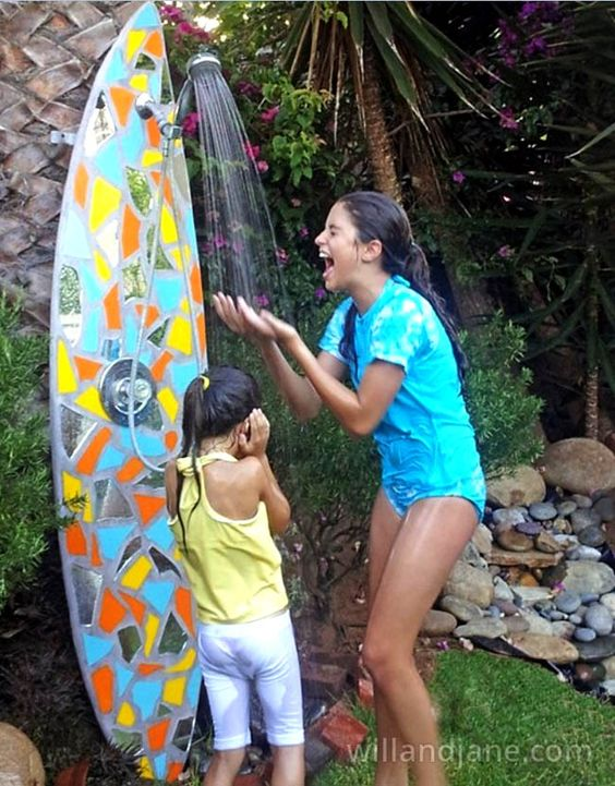 16 diy outdoor shower ideas showers surfboard and rainbows for Diy outdoor shower surfboard
