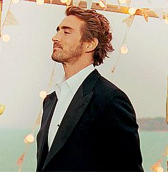 I imagine me asking lee pace to marry me then gives a look to his fans