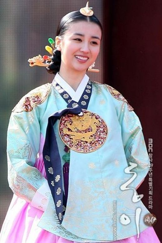 Dong Yi (Hangul: 동이; hanja: 同伊) is a 2010 South Korean
