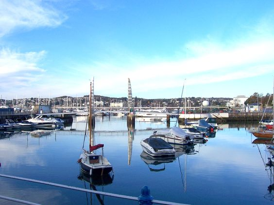 Torquay harbour is the very heart of The English Riviera. Surrounded by restaurants, cafes and bars it is a brilliant place to spend some time.