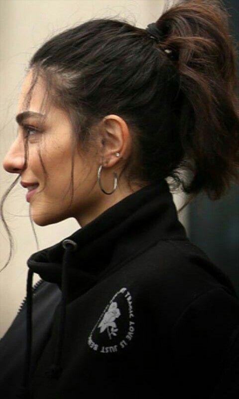 Pin By Yara On Melisa Asli Pamuk And Alperen Duymaz Beautiful Girl Makeup Hair Inspiration Hairstyle