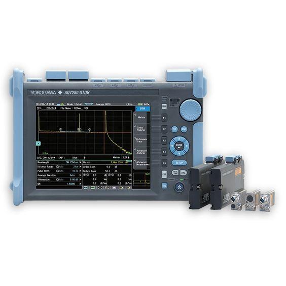 MÁY ĐO OTDR YOKOGAWA AQ7280. Máy đo OTDR Model: AQ7280 Hãng sản xuất: Yokogawa - Nhật Đáp ứng nhu cầu ngày càng tăng về độ tin cậy và tính dễ sử dụng cho các thiết bị kiểm tra tại hiện trường lắp đặt và bảo dưỡng mạng cáp quang, máy đo phản xạ quang miền thời gian Yokogawa AQ7280 (OTDR) được thiết kế để hỗ trợ cho các kỹ thuật viên thực hiện các phép đo trên cáp quang một cách nhanh chóng và chính xác. AQ7280 đáp ứng đầy đủ các yêu cầu đo kiểm mạng viễn thông quang từ access đến core.
