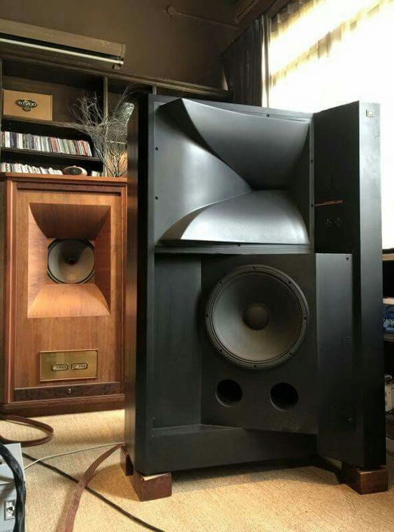 High end audio audiophile listening room | High End Hi Fi ...
