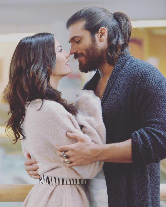 Sanem And Can Divit A La Mode De Martha And Jonathan Kent Born From The Heart Fanfiction Erkencikus Erkenc Sanem Best Tv Couples Canning
