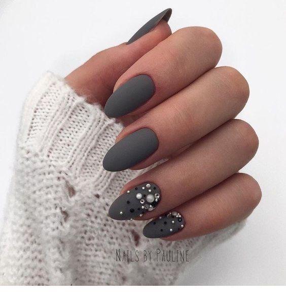 Cute gray winter nails