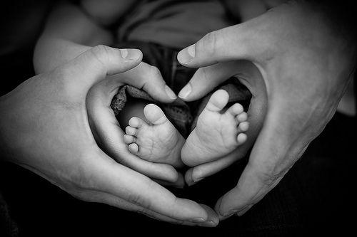 Herzliche Hände die das Leben halten