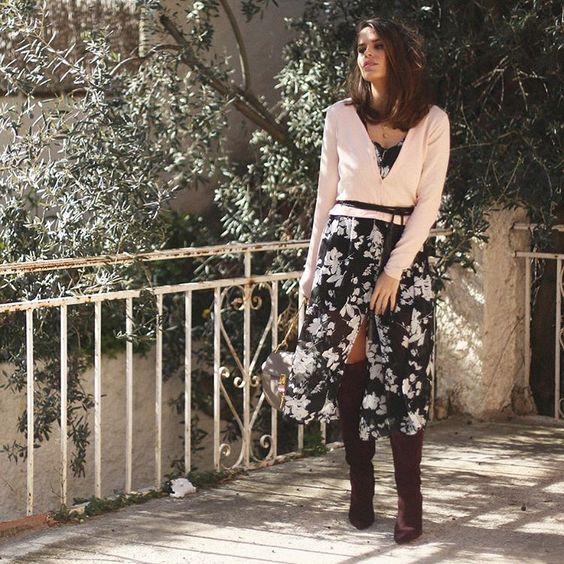 """NEW POST UP Feels like spring...☀️ More on: http://seamsforadesire.com/long-floral-dress-2/ #seamsforadesire #ootd ((LINK ON BIO))"""