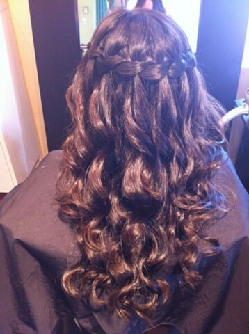 <3 Beautiful wedding hair!