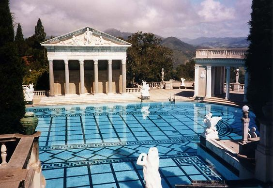Luxurious Mansions With Pools