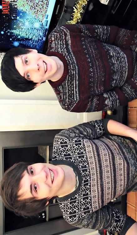 AGH THEY LOOK ALL MATCHY MATCHY AND ITS TOO CUTE AND THEIR SMILES AND UUUGGGHHASDFGHJKL