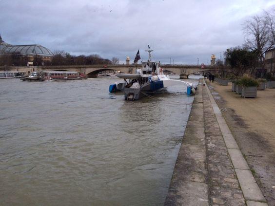 Paris trimaran on Seine from Russia
