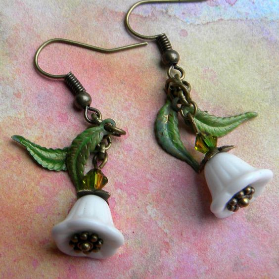 Lily of the Valley Earrings - White Coral Bell Earrings - Vintage White Bellflower Earrings - Muguet Earrings