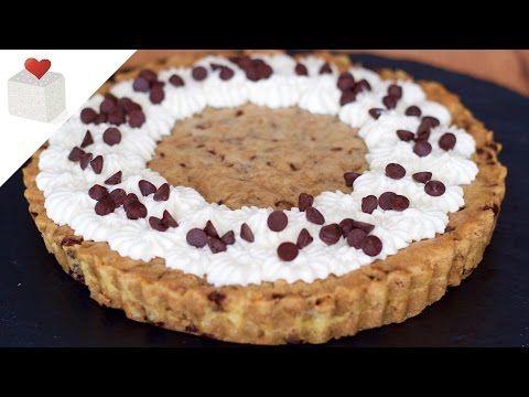 Cómo hacer una Chocolate Chip Cookie Cake   Azúcar con Amor - YouTube