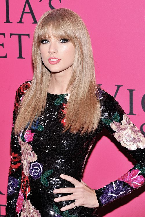 Taylor please text me through direct messages here on Pinterest!! my name is katluvrswiftie17, and u are following me. it would mean SO much if u texted me!!!!