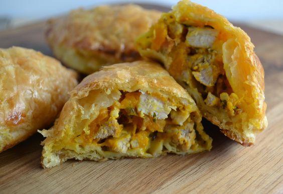 Pasteitjes met pompoen, kip en feta