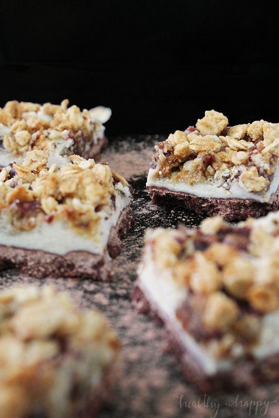 {Vegan, refined sugar free, healthy} The Ultimate Chocolate Vanilla Crunch. This…