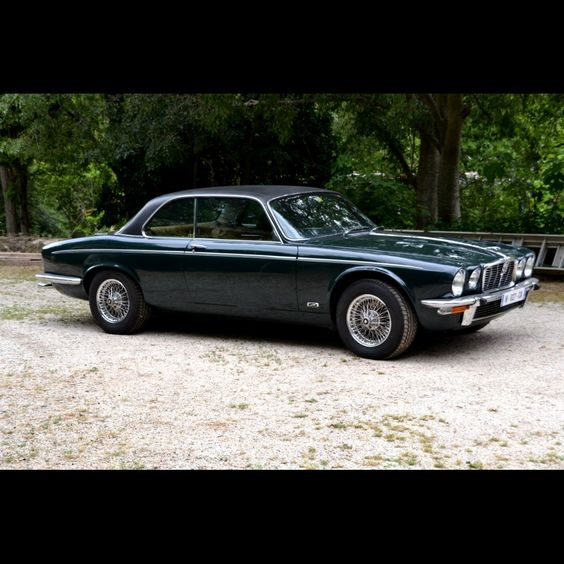 1976 JAGUAR XJ 12 C COUPE Maintenance/restoration of old/vintage vehicles: the material for new cogs/casters/gears/pads could be cast polyamide which I (Cast polyamide) can produce. My contact: tatjana.alic@windowslive.com