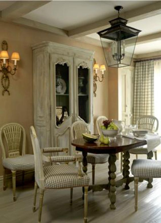 Dining room using pretty green check fabric large scale lantern marshall watson check - Pretty green rooms ...