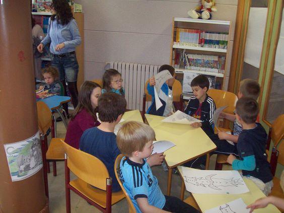 Los niños de Ejea disfrutaron un montón con el Cuentacuentos ofrecido por la Biblioteca Municipal el pasado viernes 12 de abril