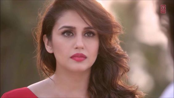 Rahat Fateh Ali Khan DILLAGI Full HD Video Song, featuring actors Huma Qureshi, Vidyut Jammwal