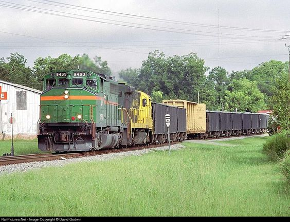 RailPictures.Net Photo: GFRR 9463, GFRR 5 Georgia Florida EMD GP40W at Doerun, Georgia by David Godwin