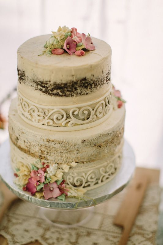 Baker: The Bankery /  Photo: @courtpinterest. See more ideas at www.realmaineweddings.com!