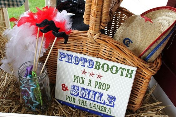 photo booth props cute for b-day parties! :-)