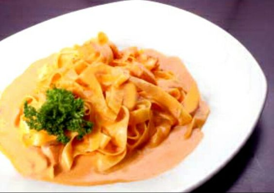 Pasta alla Vodka - Cooking as a couple  http://cookingincouples.com/pasta-alla-vodka.html