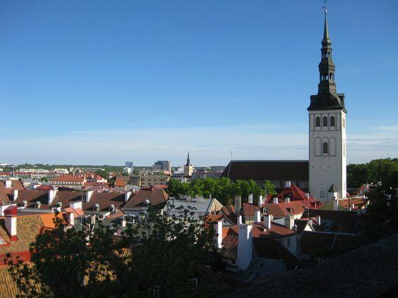 La Torre de la Iglesia de San Olav en Tallin. 155 metros