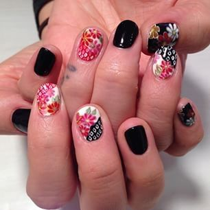 From http://ink361.com/app/users/ig-461541440/akiko_nails/photos