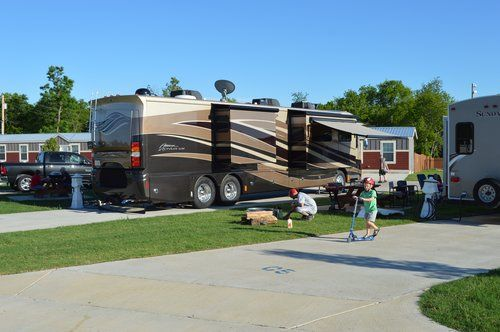 Experience The Top Rated Rv Resort In Grand Lake Oklahoma With Concrete Roads And Pads And Exclusive Amenities Grand Resort Grand Lake Recreational Vehicles
