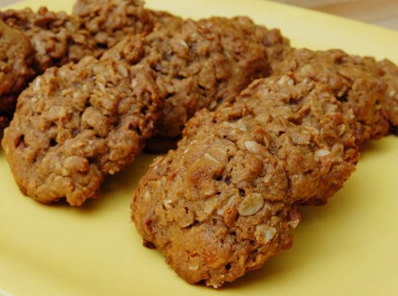 Oatmeal Cookies with Date Syrup