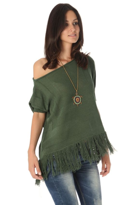 Green batwing sweater with fringing - 27,44 € - https://q2shop.com/