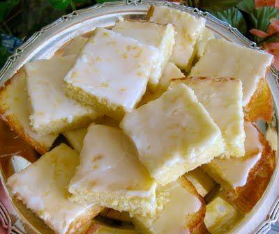 Lemon Brownies: Lemon Brownies, Lemon Bars, Brownies Sound, Cookies Bars, Sweet Treats, Ritas Recipes, Brownies Lemonies, Lemonies Lemon