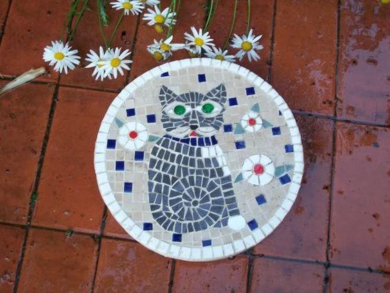 Stepping Stone Ideas | Thread: Mosaic Stepping Stones