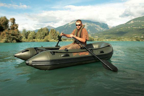 Das FX200 ist das ideale Boot für den Taschen Transport, die Stellensuche und schnelles anfüttern. Durch ein optimales Längen/Breitenverhältnis hat das Boot eine hohe Kippstabilitä, ebenso kann...