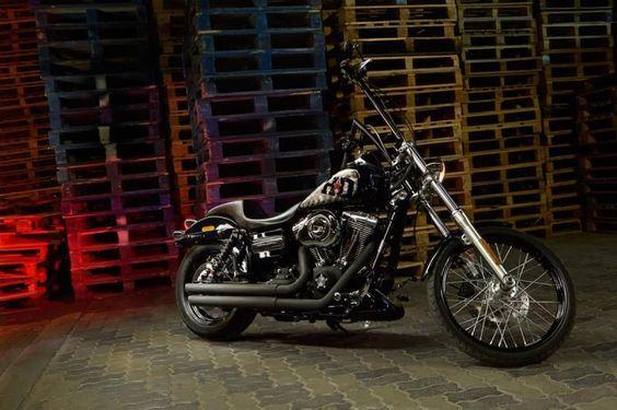 Sick Custom Dyna Wide Glide: Harley Davidson Dyna Street Bob