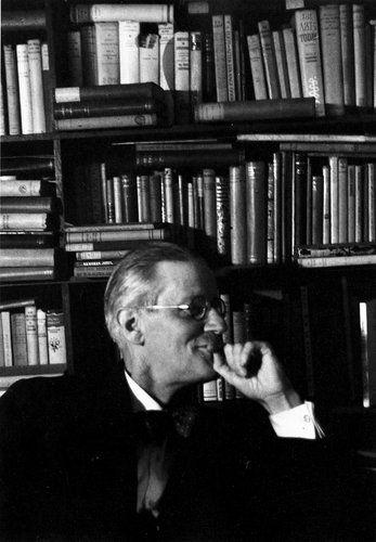 ❥ James Joyce at Shakespeare and company, Paris.(1938)  ≈★≈