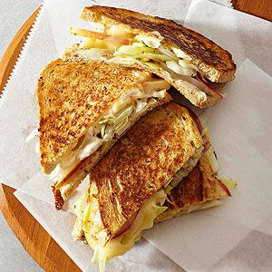 Muenster, cabbage and apple sandwiches (TNT) 51492ce8b9f5dde61469c2904ab70387