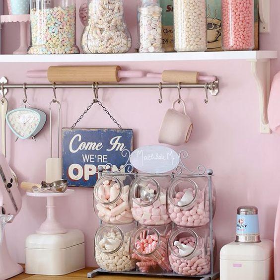 candy+jars+display A Retro Pastel Kitchen and Baking Dream Pastel, Retro, Vintage, Kitchen, Decor, Parlour, Cafe, Diner, Shoppe, Manuela Kjeilen, Passion For Baking,