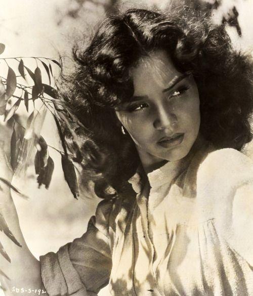 Jennifer Jones, 1946, publicity shot for Duel In The Sun:
