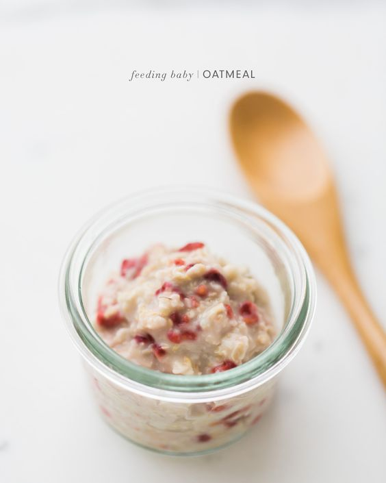 Feeding+Baby+Oatmeal+-+How+to+make+easy+homemade+natural+baby+oat+cereal