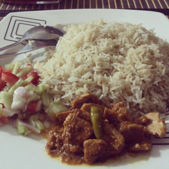 Made this at 4:00 am in the morning. Yummy Chicken curry with fresh salad and white rice
