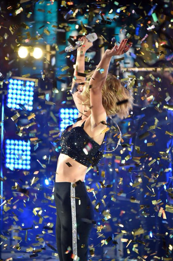 Taylor Swift - Dick Clark's 2015 New Year's Rockin' Eve