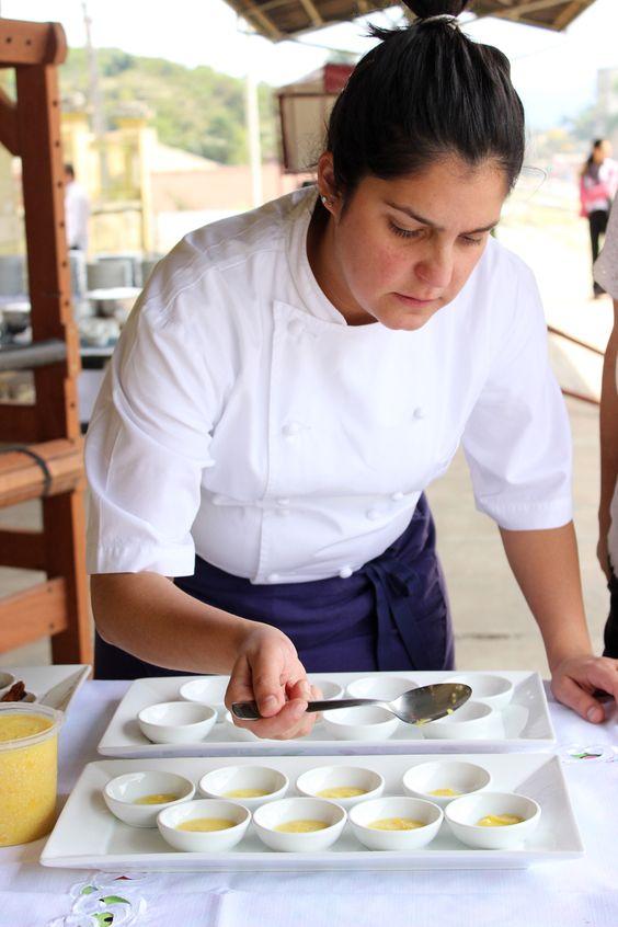 Chef Manu Buffara - comandou a etapa PR do Gastronomade Brasil em 2013 realizada na Antiga Estacao ferroviaria de Antonina, PR e a etapa SC em 2014 realizada na Vinicola Villaggio Grando em Agua Doce, SC