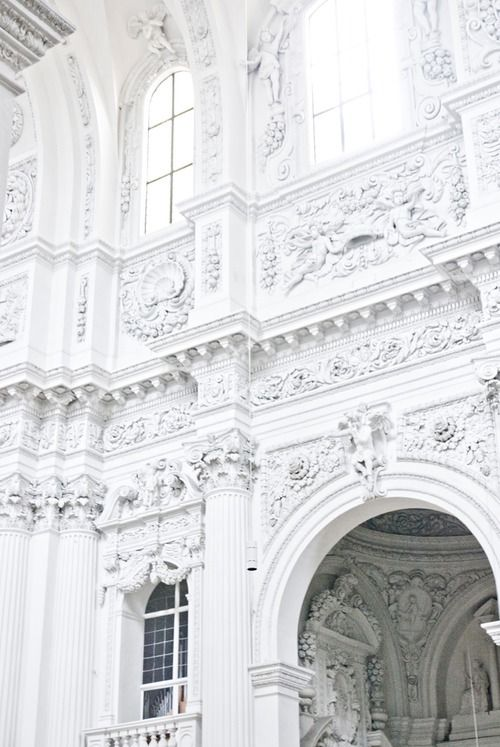 Baroque architecture white walls and baroque on pinterest for L architecture baroque
