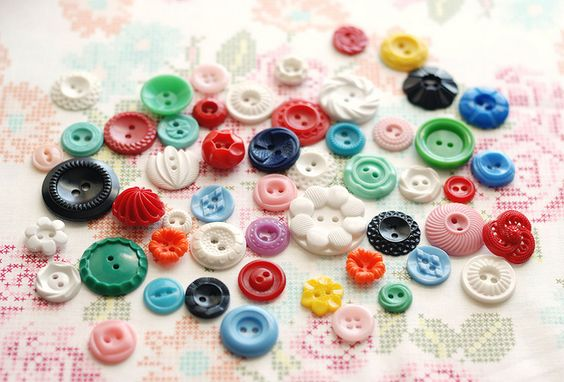 vintage buttons by Retro_Mama, via Flickr