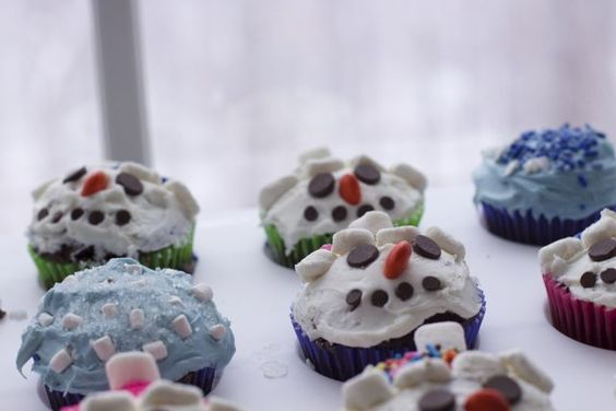 22 Snow Day Crafts and Winter Fun Recipes for Kids