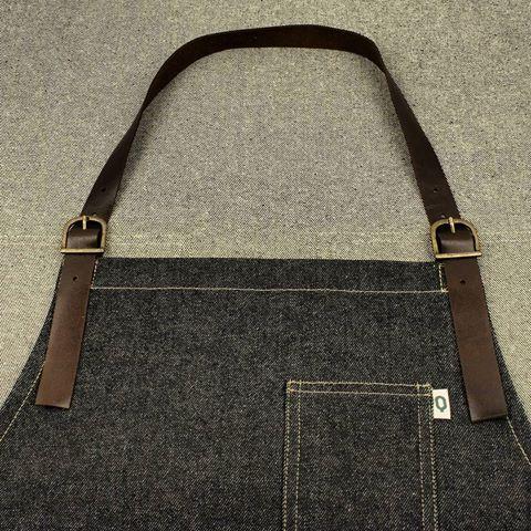 Denim and leather apron #rockandroll #apron #delantal #delantalesoriginales #mandil #delantalprofesional #delantaldehostelería