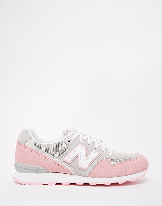 New Balance 996 Pastel Grey/Pink Suede Trainers 89 euros